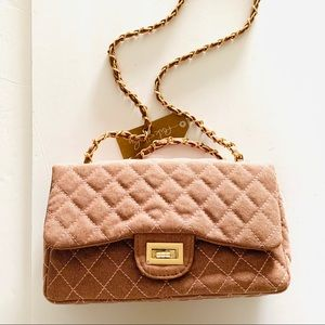Dusty pink quilted bag with gold chain